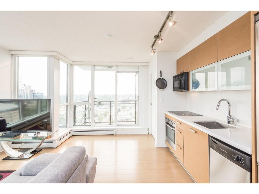Condo Apartment at 2410 10777 UNIVERSITY DRIVE, Unit 2410, North Surrey, British Columbia. Image 9