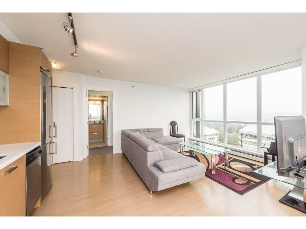 Condo Apartment at 2410 10777 UNIVERSITY DRIVE, Unit 2410, North Surrey, British Columbia. Image 11