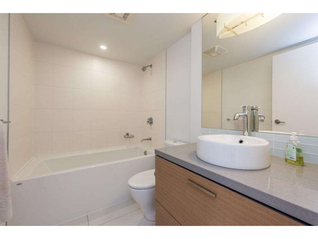 Condo Apartment at 2410 10777 UNIVERSITY DRIVE, Unit 2410, North Surrey, British Columbia. Image 15