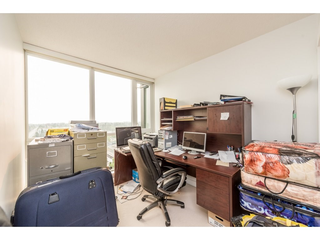 Condo Apartment at 2410 10777 UNIVERSITY DRIVE, Unit 2410, North Surrey, British Columbia. Image 16