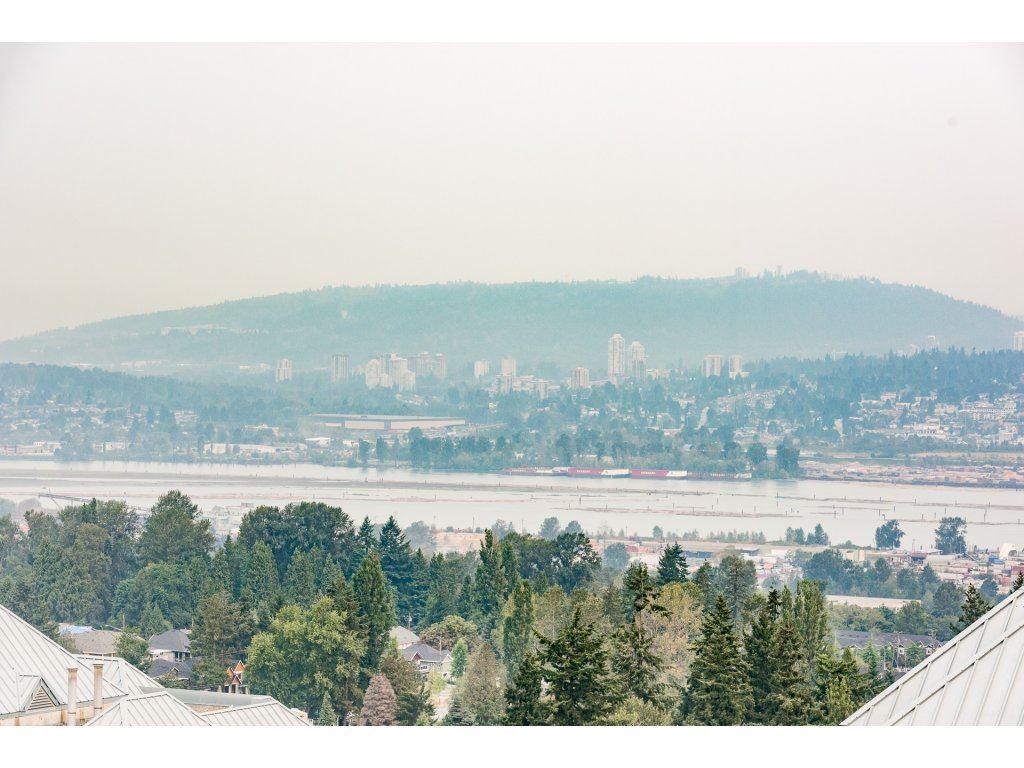 Condo Apartment at 2410 10777 UNIVERSITY DRIVE, Unit 2410, North Surrey, British Columbia. Image 20