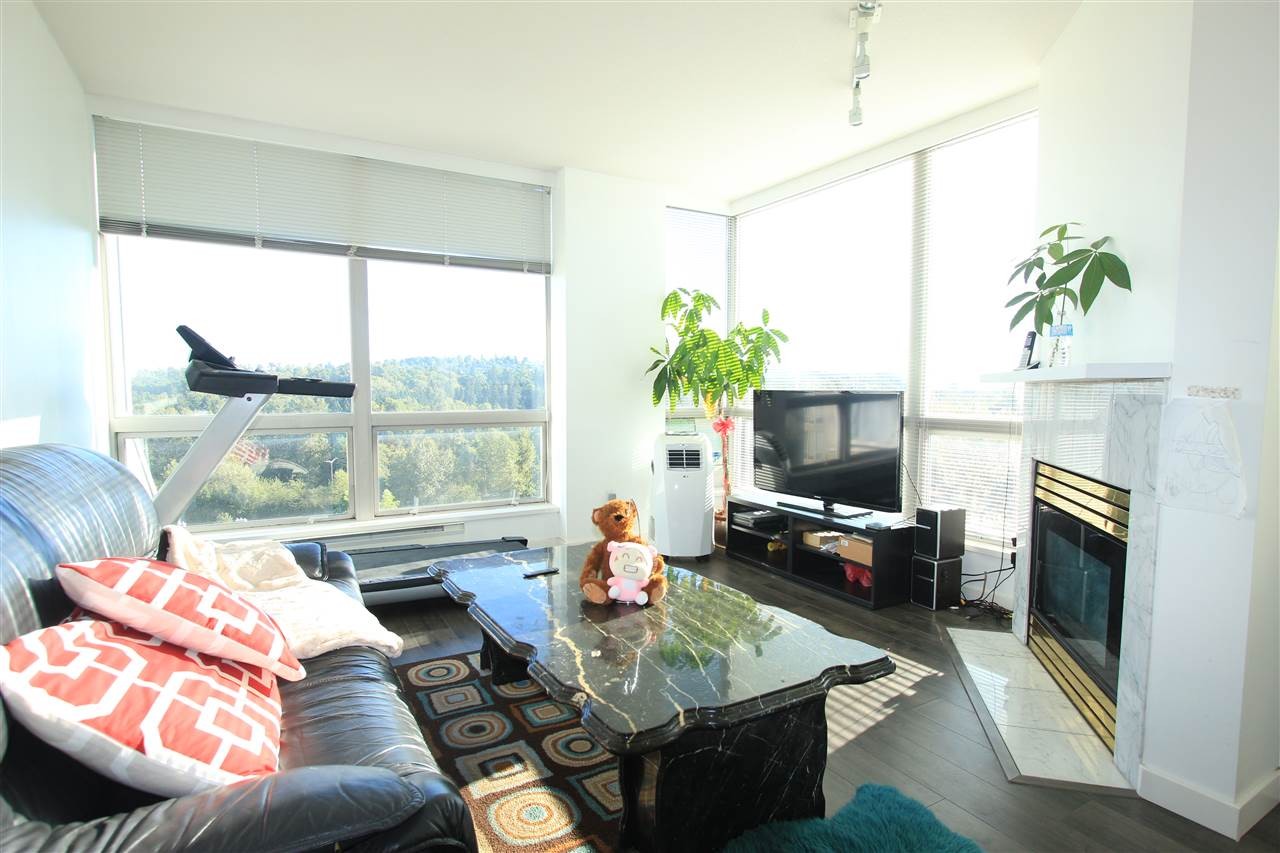 Condo Apartment at 1203 9603 MANCHESTER DRIVE, Unit 1203, Burnaby North, British Columbia. Image 2