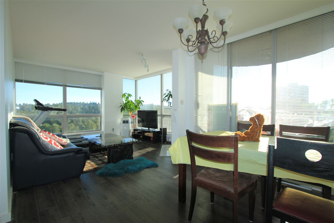 Condo Apartment at 1203 9603 MANCHESTER DRIVE, Unit 1203, Burnaby North, British Columbia. Image 3