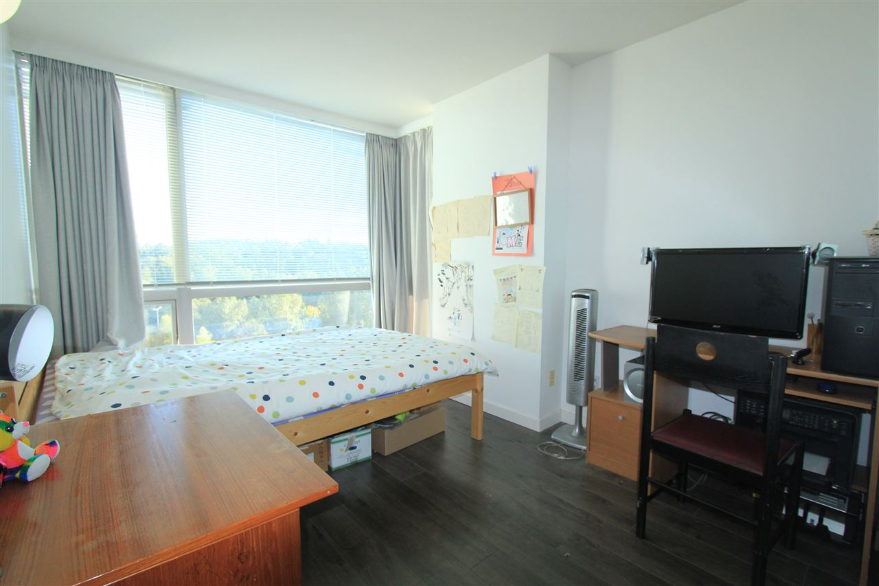 Condo Apartment at 1203 9603 MANCHESTER DRIVE, Unit 1203, Burnaby North, British Columbia. Image 8
