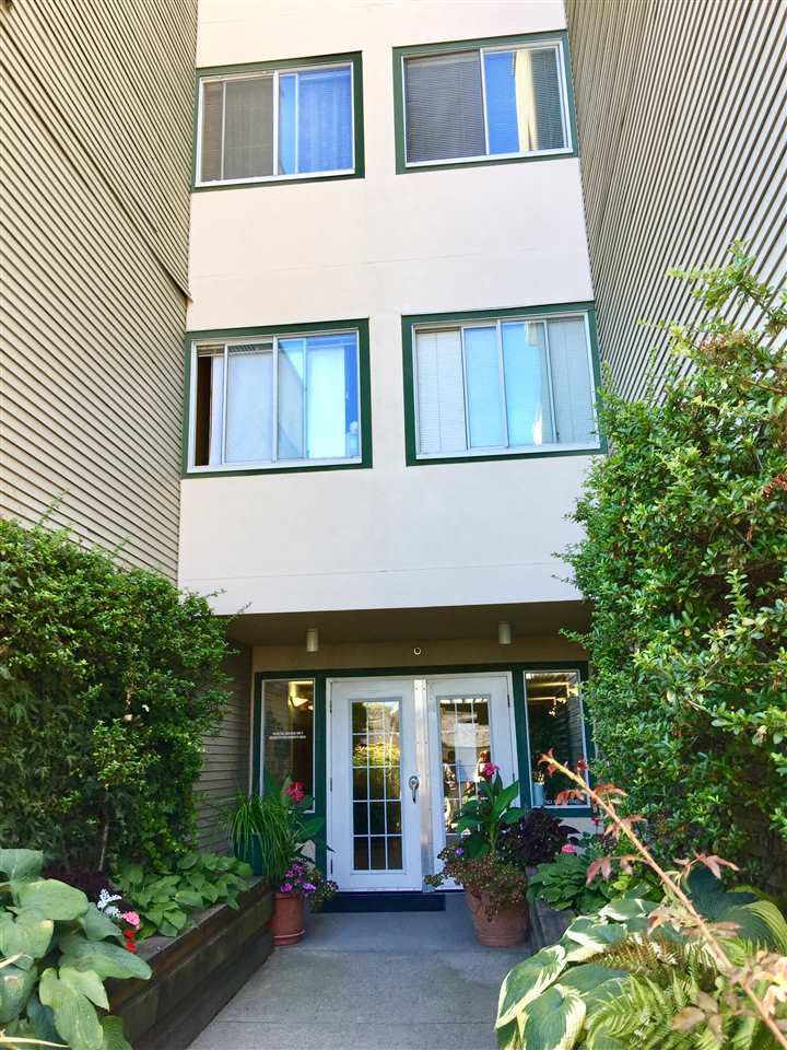 Condo Apartment at 307 509 CARNARVON STREET, Unit 307, New Westminster, British Columbia. Image 12