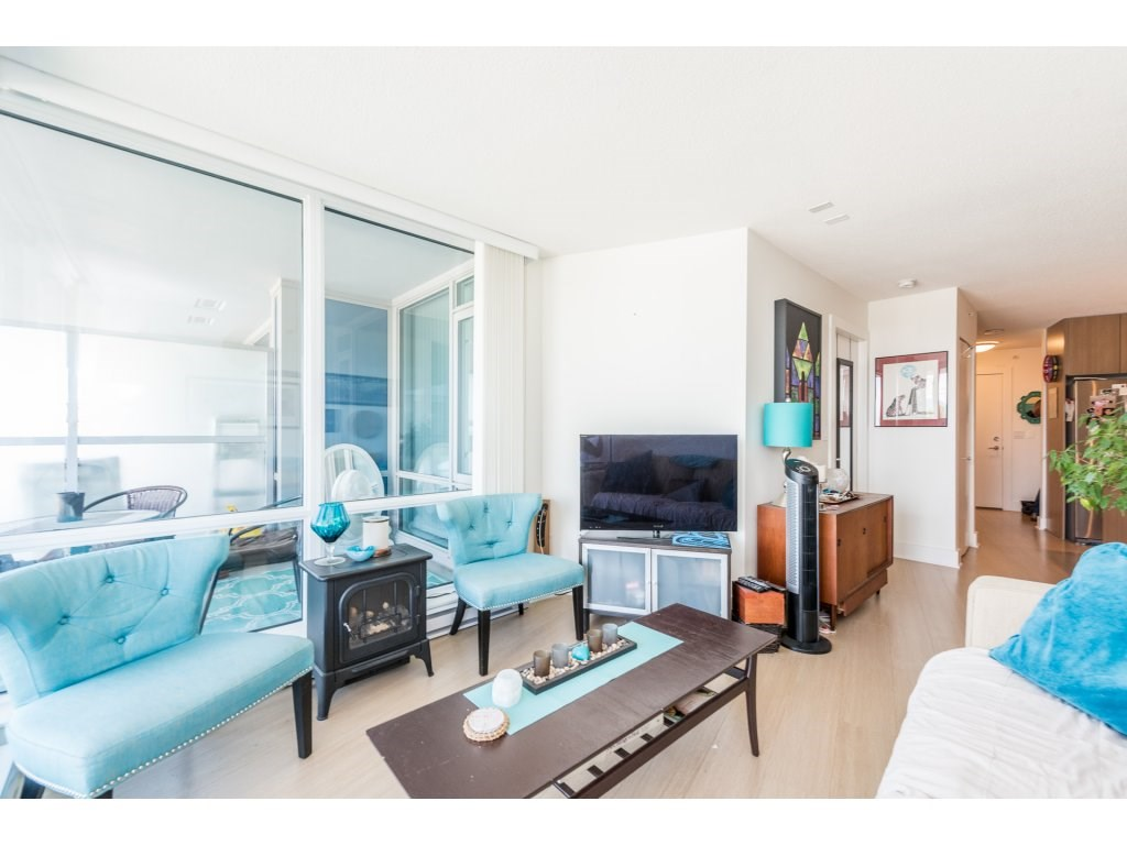 Condo Apartment at 602 4189 HALIFAX STREET, Unit 602, Burnaby North, British Columbia. Image 4