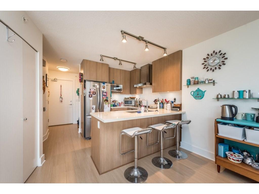 Condo Apartment at 602 4189 HALIFAX STREET, Unit 602, Burnaby North, British Columbia. Image 6