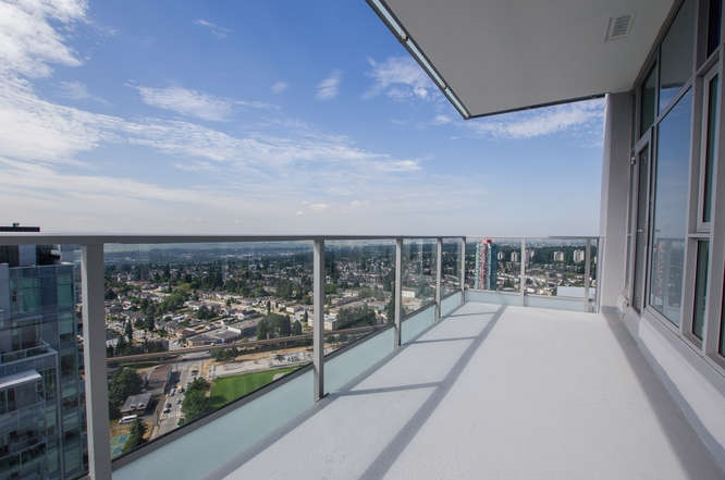 Condo Apartment at 4202 6538 NELSON AVENUE, Unit 4202, Burnaby South, British Columbia. Image 10