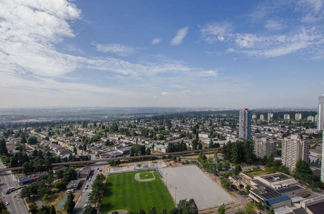 Condo Apartment at 4202 6538 NELSON AVENUE, Unit 4202, Burnaby South, British Columbia. Image 11