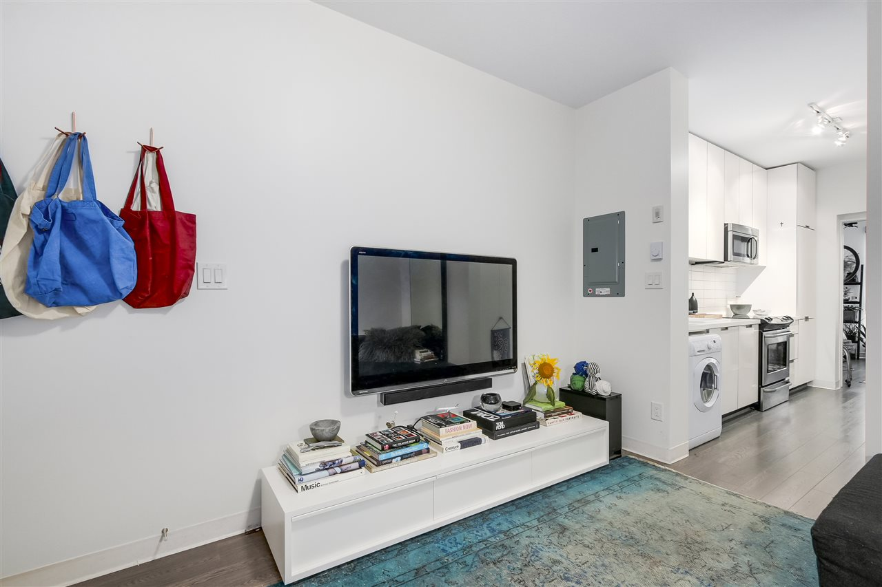 Condo Apartment at 212 138 E HASTINGS STREET, Unit 212, Vancouver East, British Columbia. Image 4