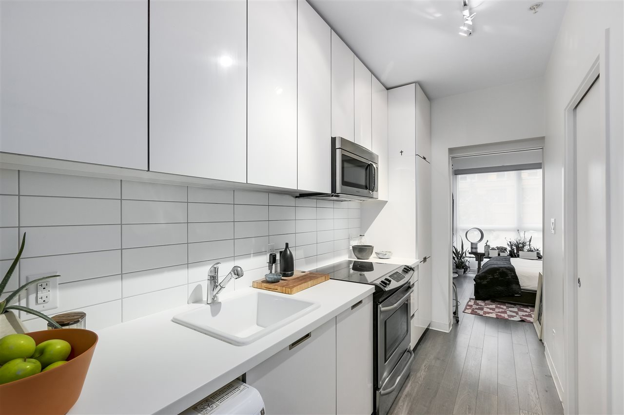 Condo Apartment at 212 138 E HASTINGS STREET, Unit 212, Vancouver East, British Columbia. Image 5