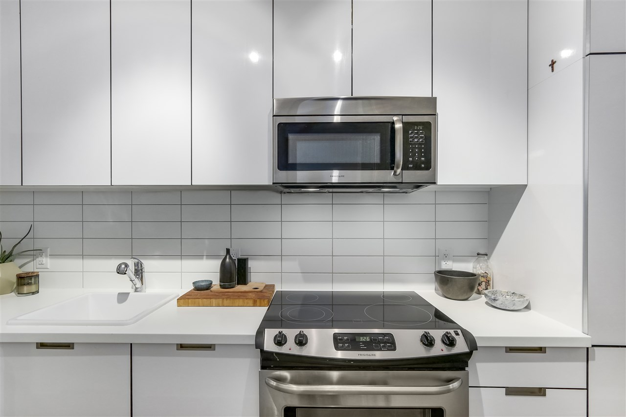 Condo Apartment at 212 138 E HASTINGS STREET, Unit 212, Vancouver East, British Columbia. Image 6