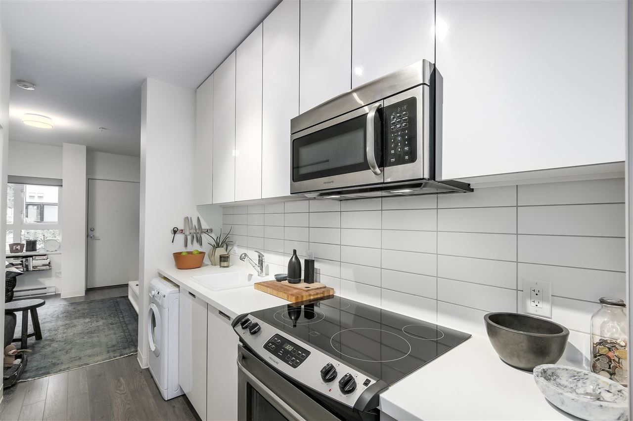 Condo Apartment at 212 138 E HASTINGS STREET, Unit 212, Vancouver East, British Columbia. Image 7
