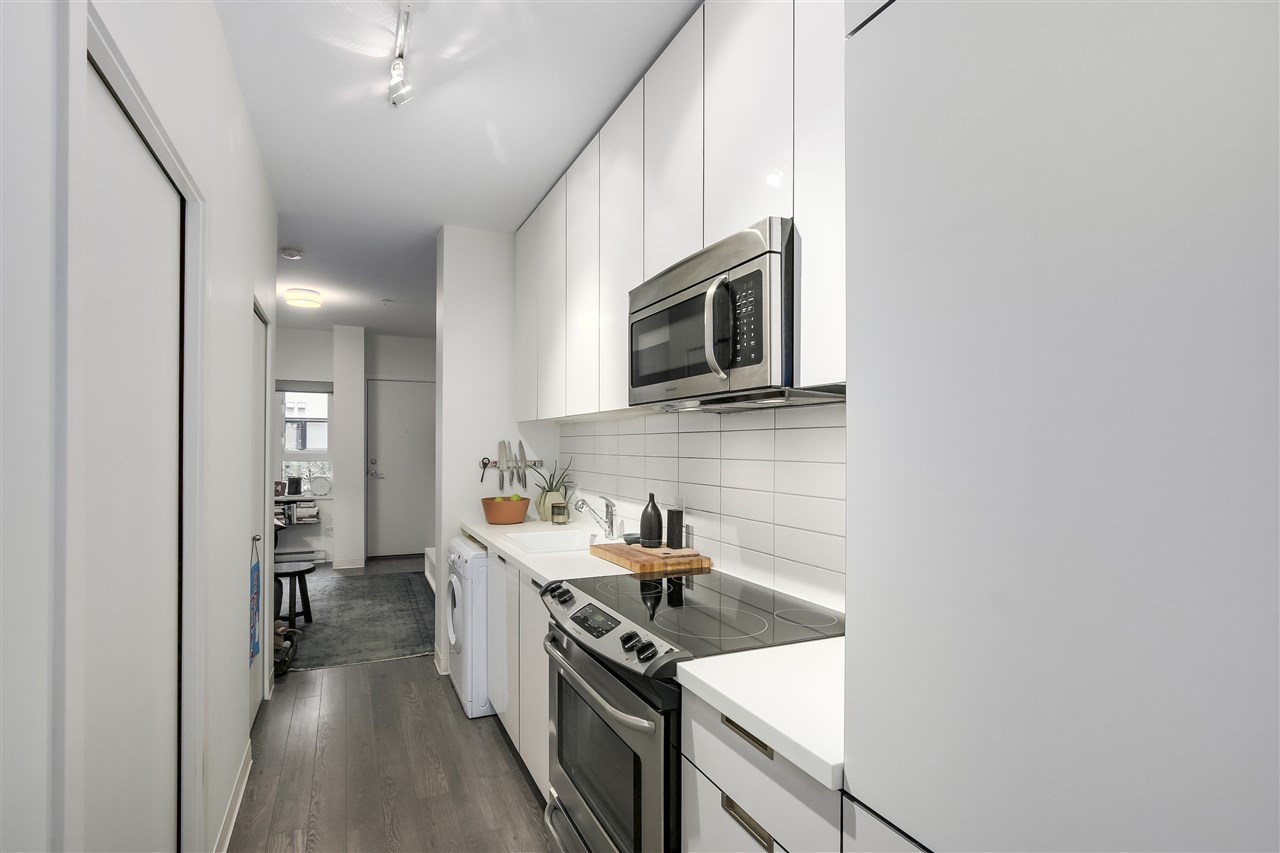 Condo Apartment at 212 138 E HASTINGS STREET, Unit 212, Vancouver East, British Columbia. Image 8