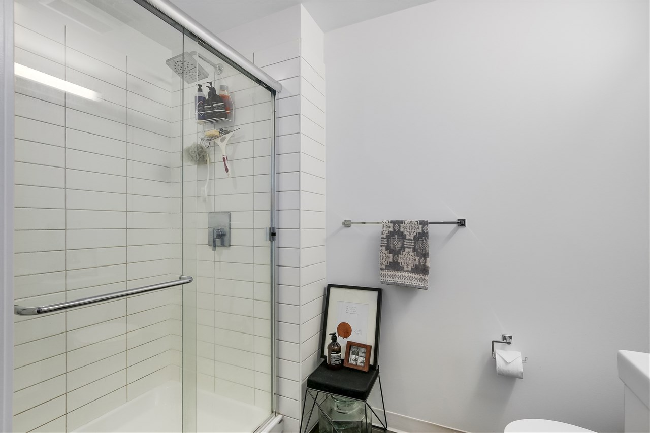Condo Apartment at 212 138 E HASTINGS STREET, Unit 212, Vancouver East, British Columbia. Image 13