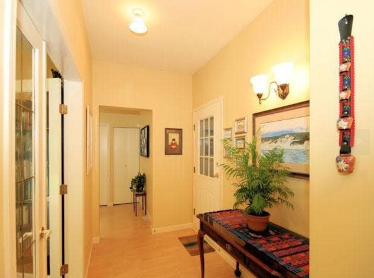 Townhouse at 104 8672 E TULSY CRESCENT, Unit 104, Surrey, British Columbia. Image 2