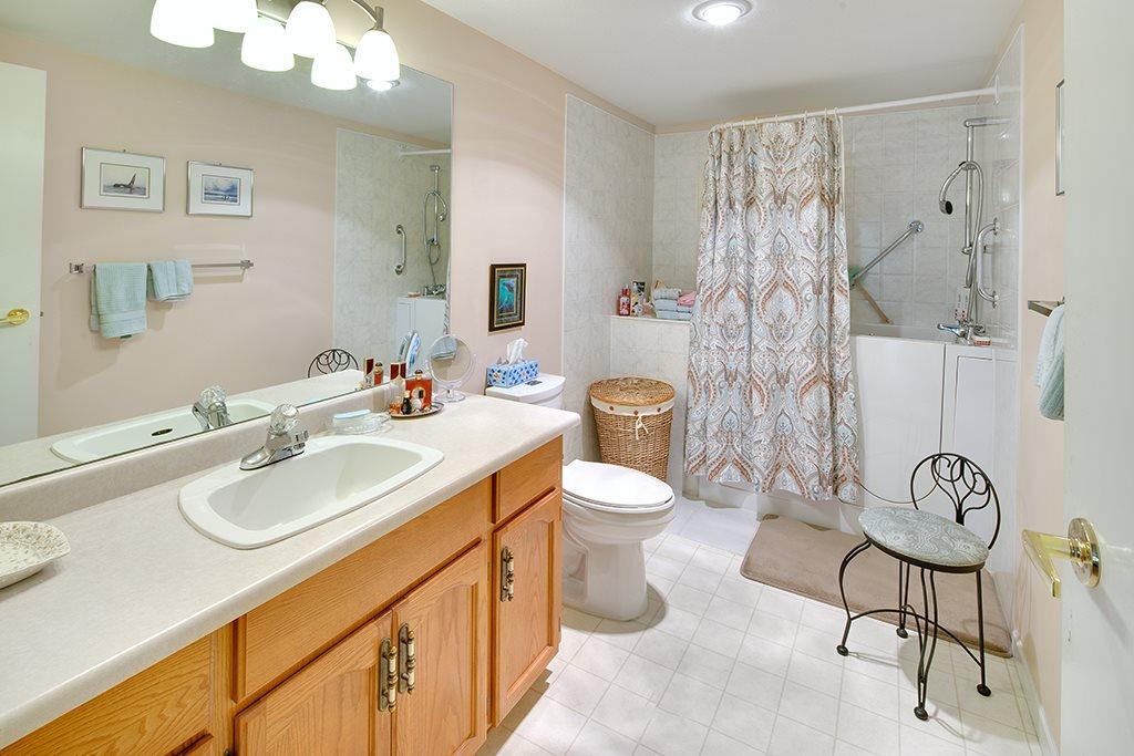 Condo Apartment at 117 11601 227 STREET, Unit 117, Maple Ridge, British Columbia. Image 15
