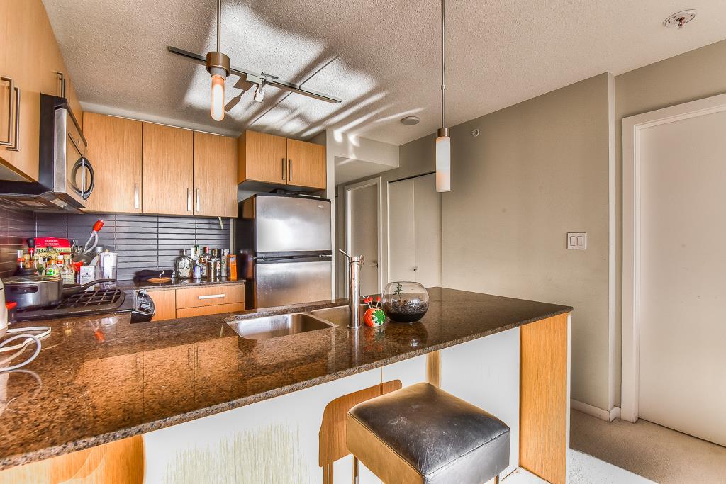 Condo Apartment at 2703 9888 CAMERON STREET, Unit 2703, Burnaby North, British Columbia. Image 7