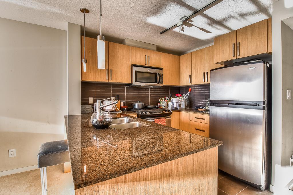Condo Apartment at 2703 9888 CAMERON STREET, Unit 2703, Burnaby North, British Columbia. Image 8