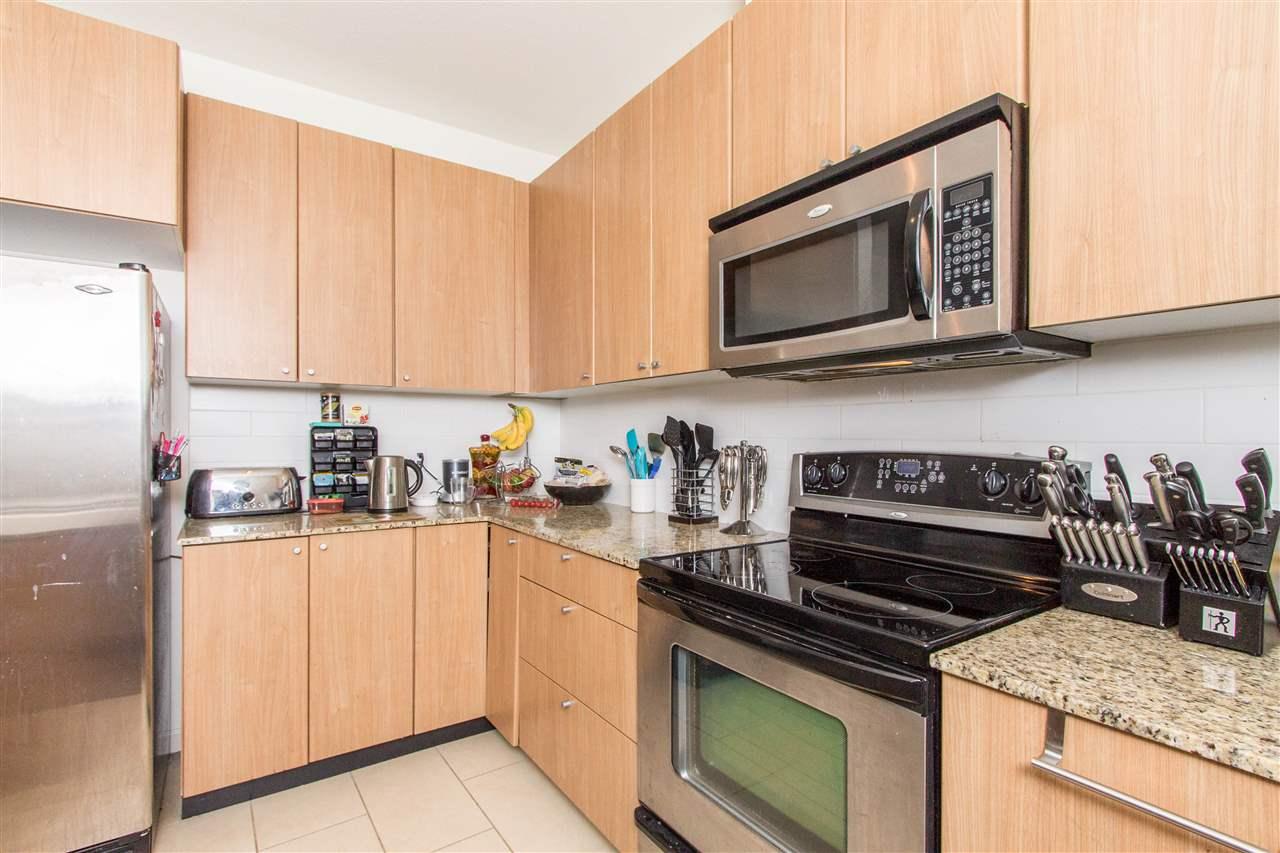 Condo Apartment at 318 2477 KELLY AVENUE, Unit 318, Port Coquitlam, British Columbia. Image 3
