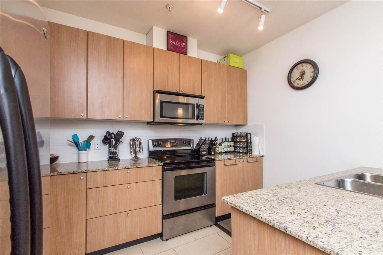 Condo Apartment at 318 2477 KELLY AVENUE, Unit 318, Port Coquitlam, British Columbia. Image 4