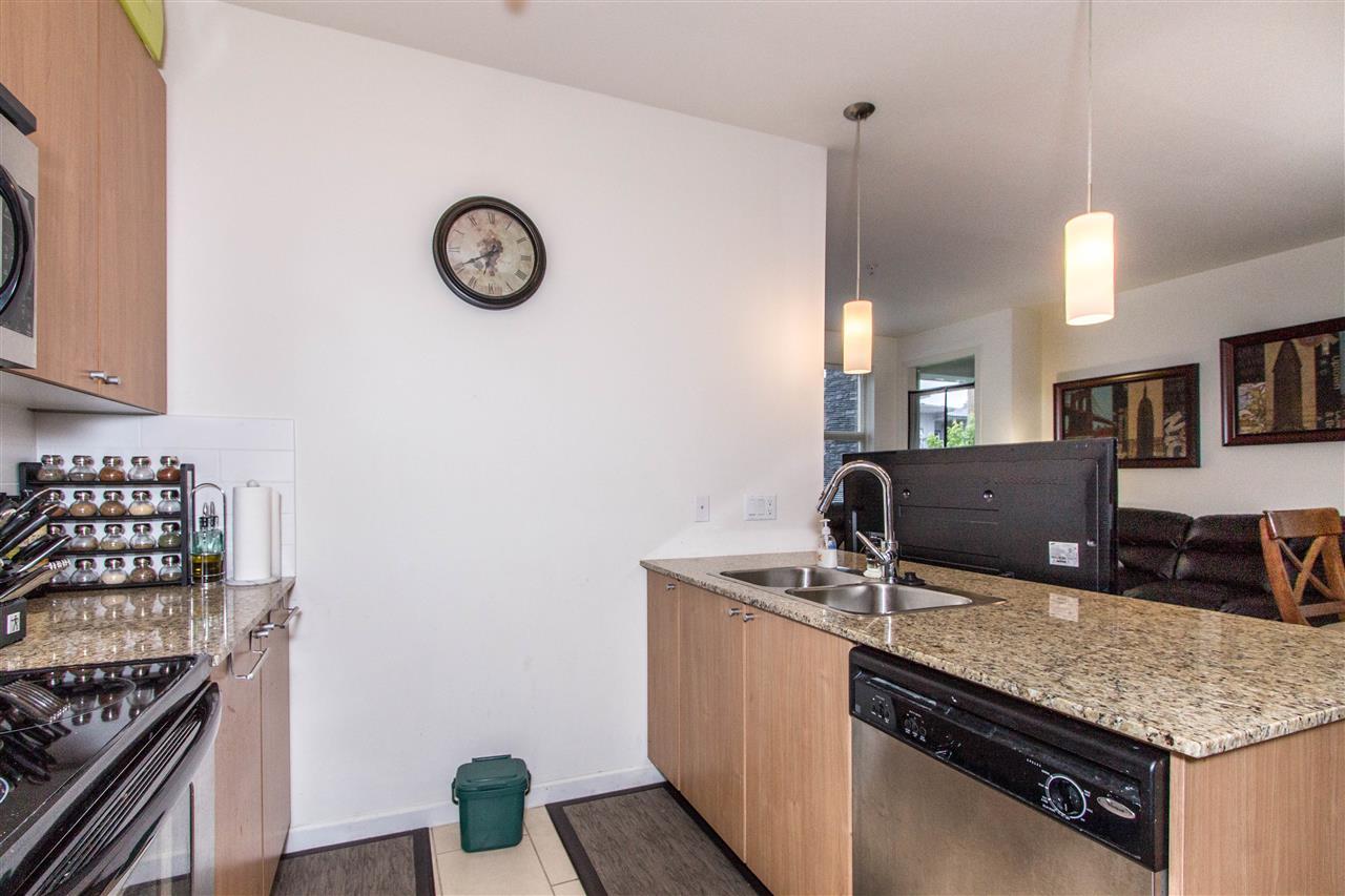 Condo Apartment at 318 2477 KELLY AVENUE, Unit 318, Port Coquitlam, British Columbia. Image 5
