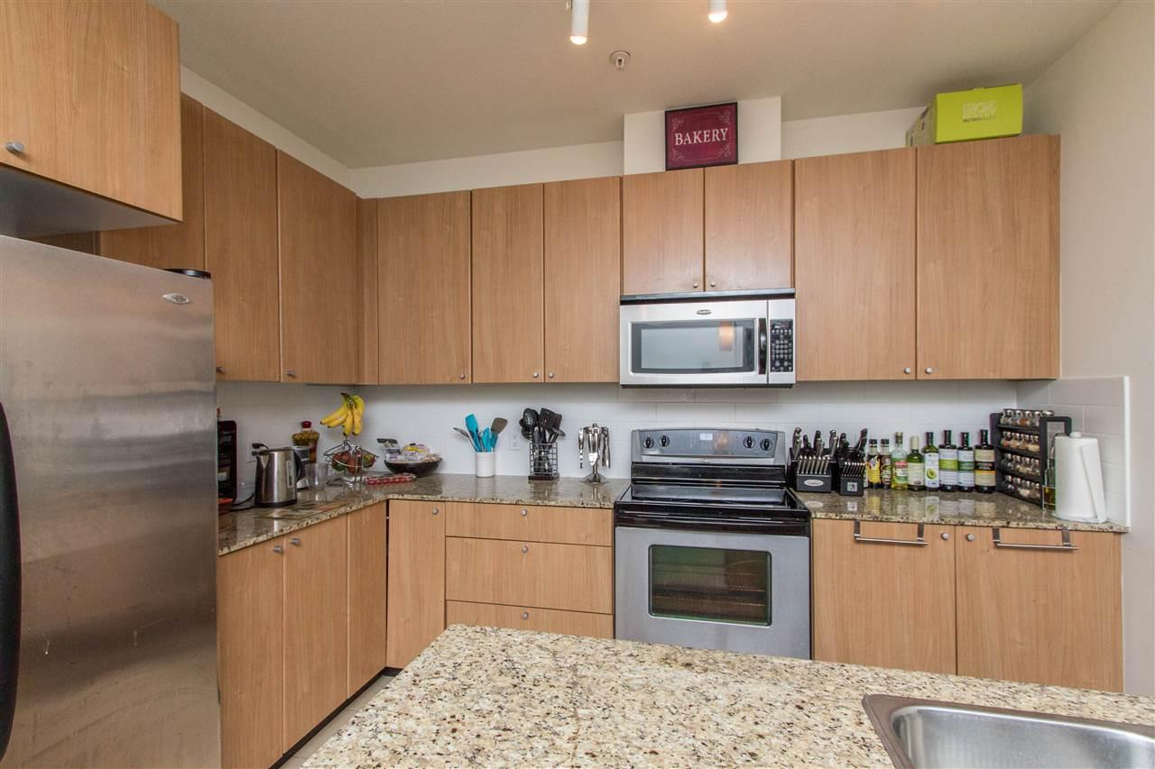 Condo Apartment at 318 2477 KELLY AVENUE, Unit 318, Port Coquitlam, British Columbia. Image 6