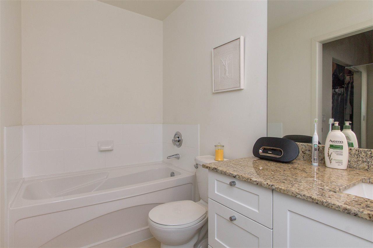 Condo Apartment at 318 2477 KELLY AVENUE, Unit 318, Port Coquitlam, British Columbia. Image 15