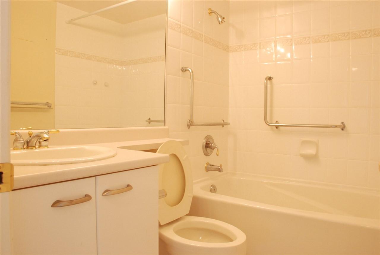 Condo Apartment at 501 4505 HAZEL STREET, Unit 501, Burnaby South, British Columbia. Image 13