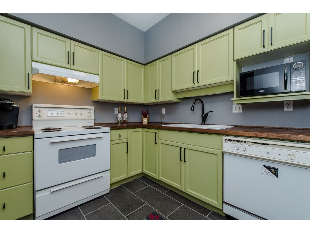 Condo Apartment at 403 45773 VICTORIA AVENUE, Unit 403, Chilliwack, British Columbia. Image 5