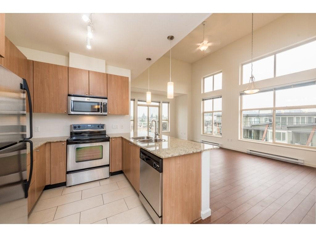 Condo Apartment at 417 2477 KELLY AVENUE, Unit 417, Port Coquitlam, British Columbia. Image 3