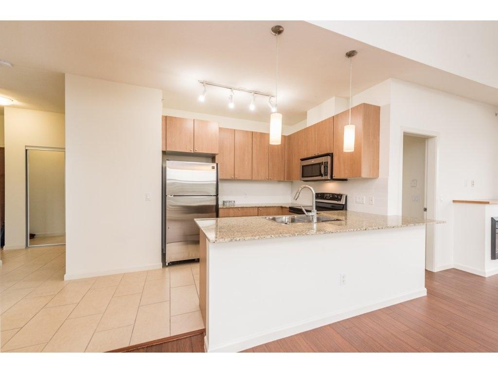 Condo Apartment at 417 2477 KELLY AVENUE, Unit 417, Port Coquitlam, British Columbia. Image 5