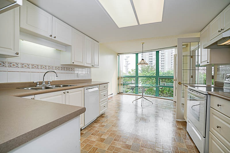Condo Apartment at 605 728 PRINCESS STREET, Unit 605, New Westminster, British Columbia. Image 3