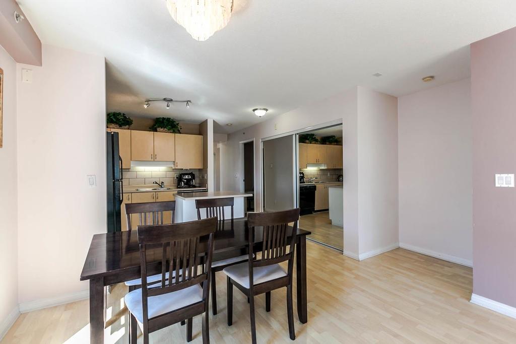 Condo Apartment at 423 528 ROCHESTER AVENUE, Unit 423, Coquitlam, British Columbia. Image 3