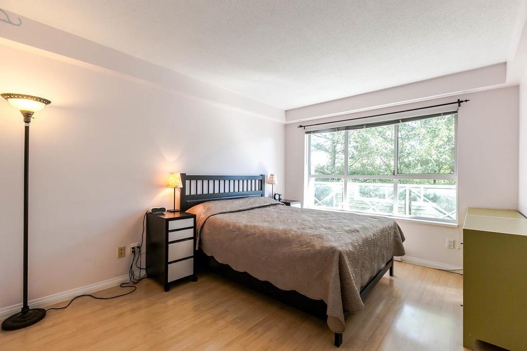 Condo Apartment at 423 528 ROCHESTER AVENUE, Unit 423, Coquitlam, British Columbia. Image 6