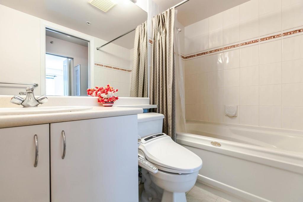 Condo Apartment at 423 528 ROCHESTER AVENUE, Unit 423, Coquitlam, British Columbia. Image 8
