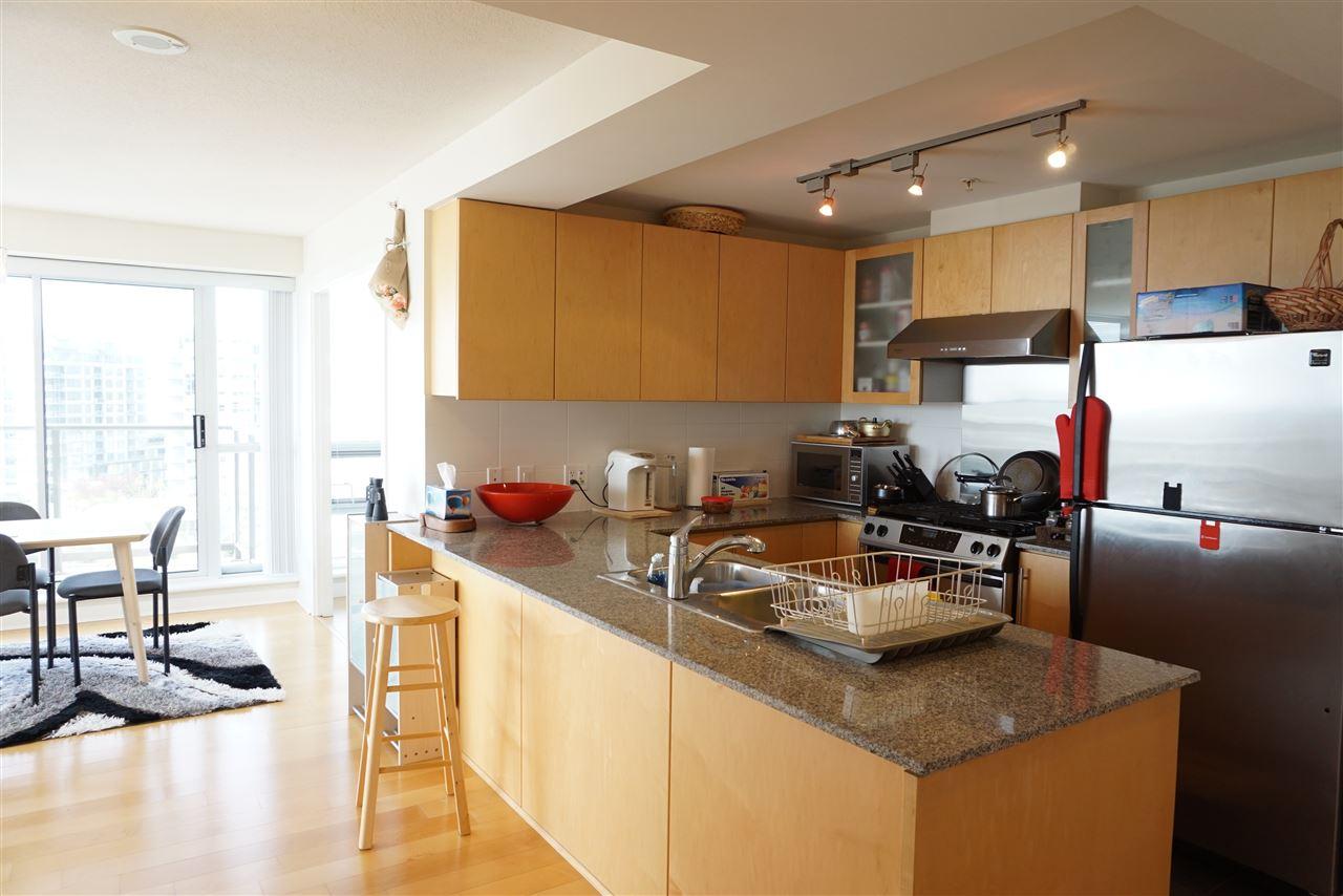 Condo Apartment at 1505 7535 ALDERBRIDGE WAY, Unit 1505, Richmond, British Columbia. Image 5
