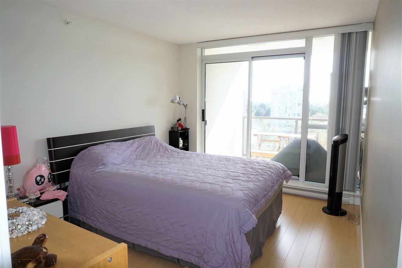 Condo Apartment at 1505 7535 ALDERBRIDGE WAY, Unit 1505, Richmond, British Columbia. Image 7