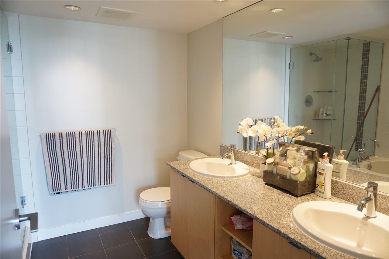 Condo Apartment at 1505 7535 ALDERBRIDGE WAY, Unit 1505, Richmond, British Columbia. Image 8