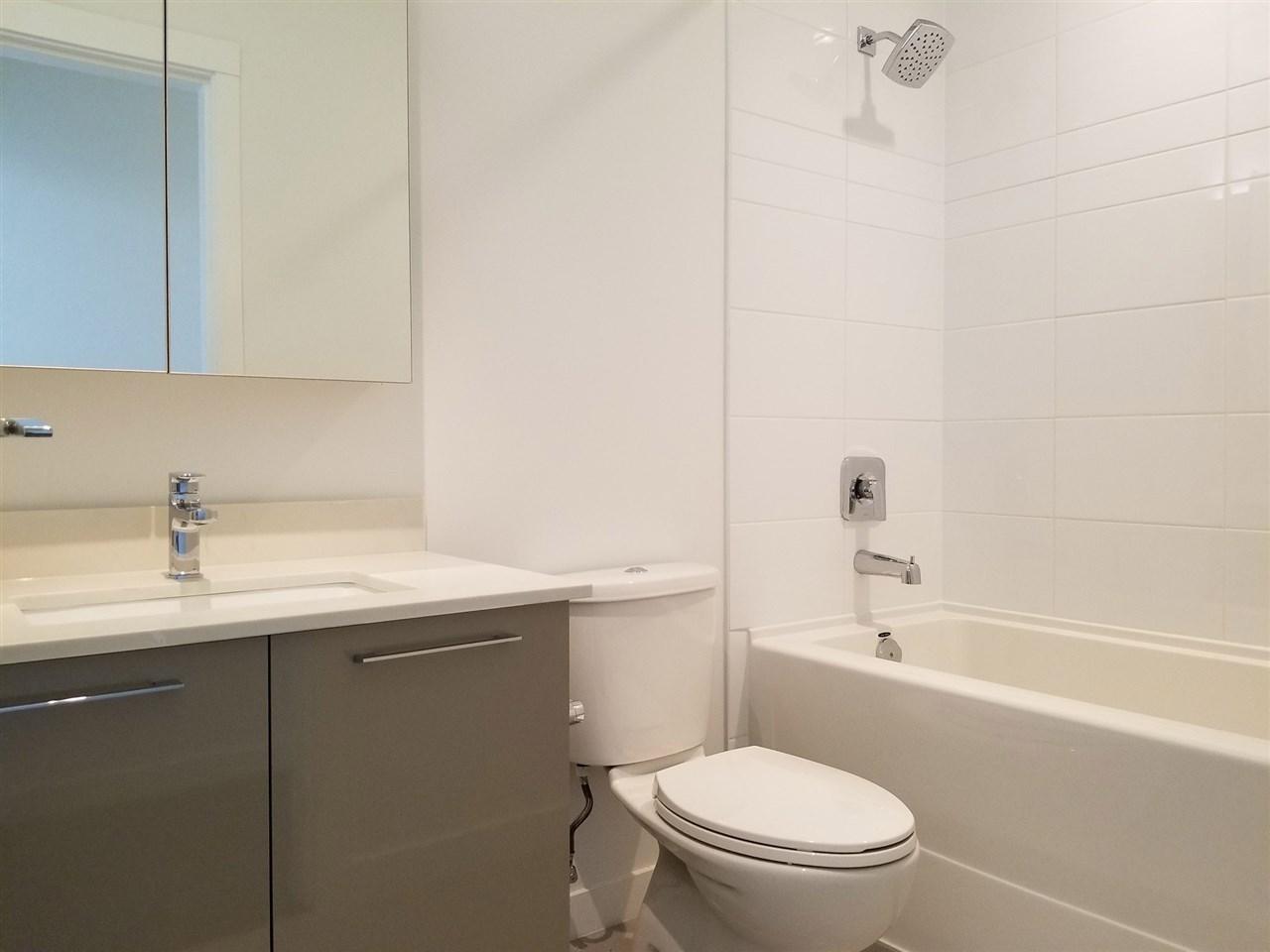 Condo Apartment at 901 7688 ALDERBRIDGE WAY, Unit 901, Richmond, British Columbia. Image 13