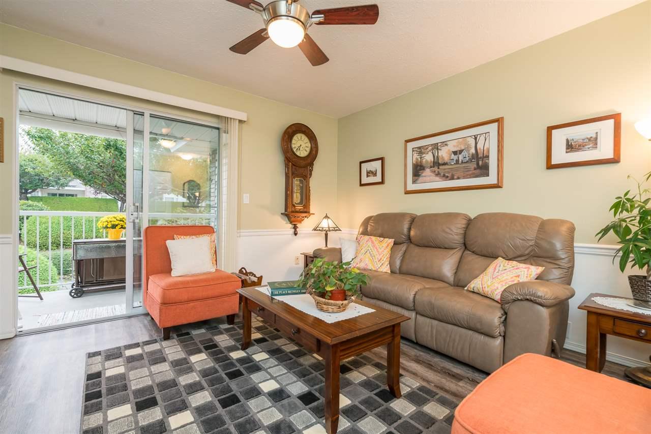 Condo Apartment at 38 2938 TRAFALGAR STREET, Unit 38, Abbotsford, British Columbia. Image 2