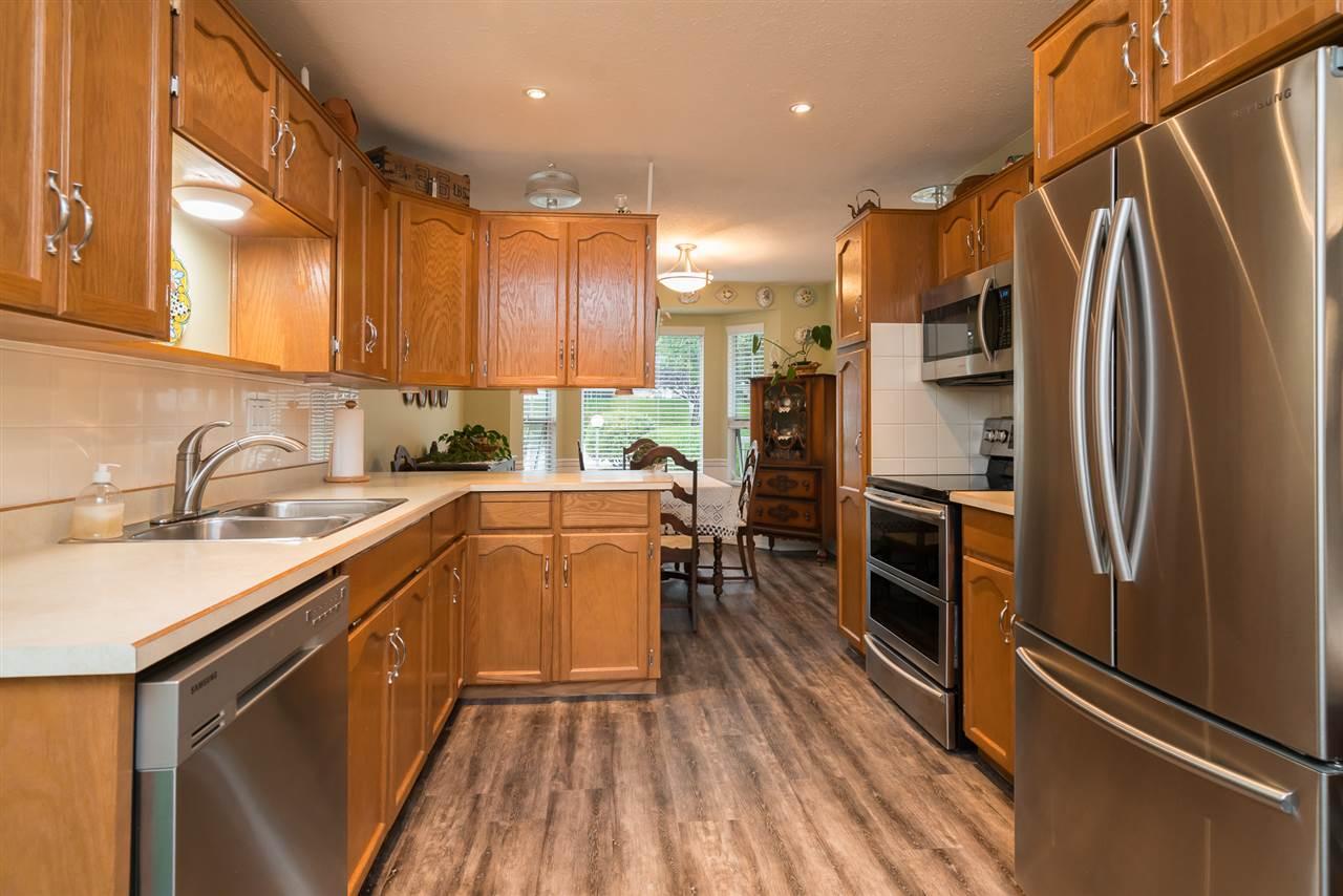 Condo Apartment at 38 2938 TRAFALGAR STREET, Unit 38, Abbotsford, British Columbia. Image 6