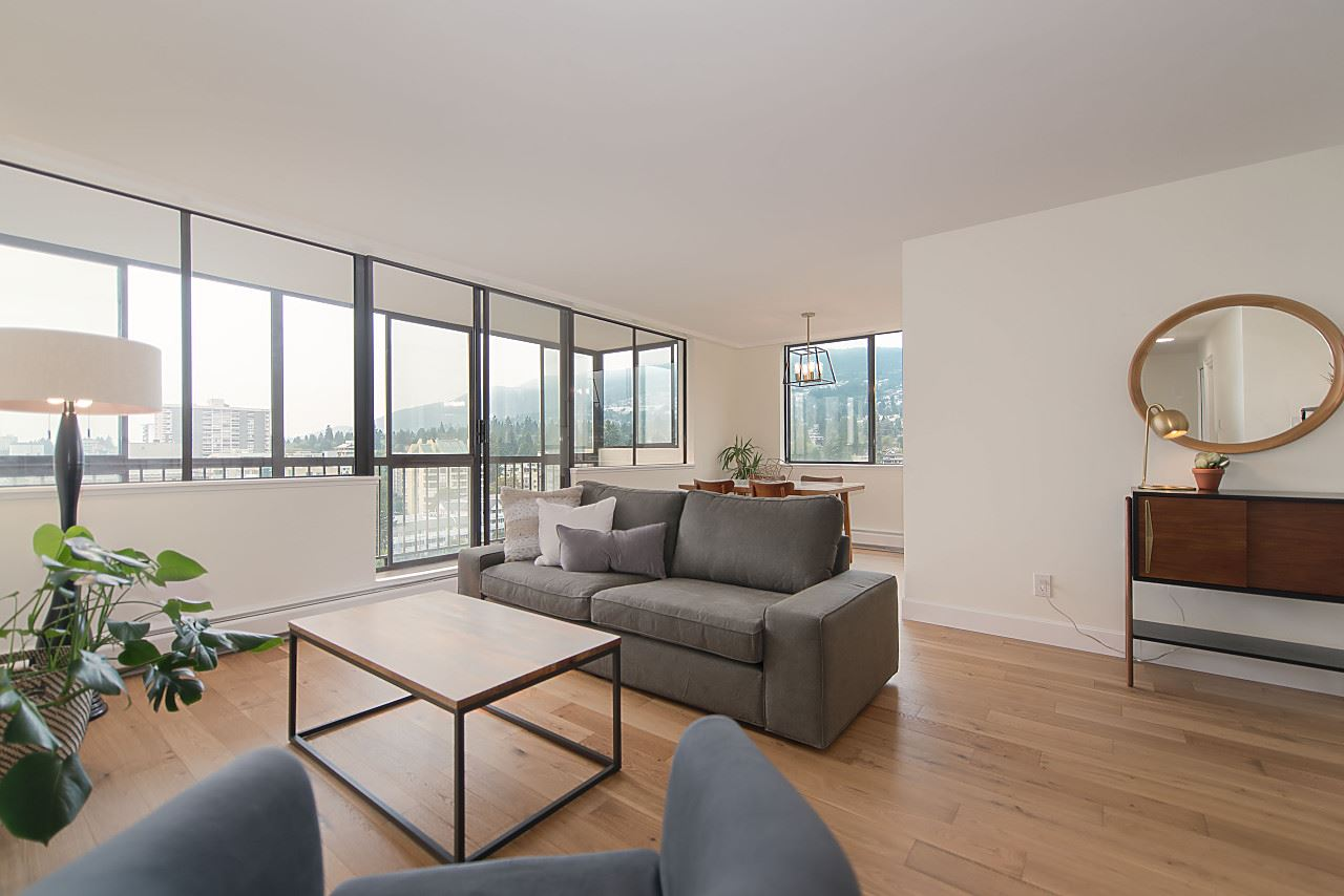 Condo Apartment at 1104 555 13TH STREET, Unit 1104, West Vancouver, British Columbia. Image 7