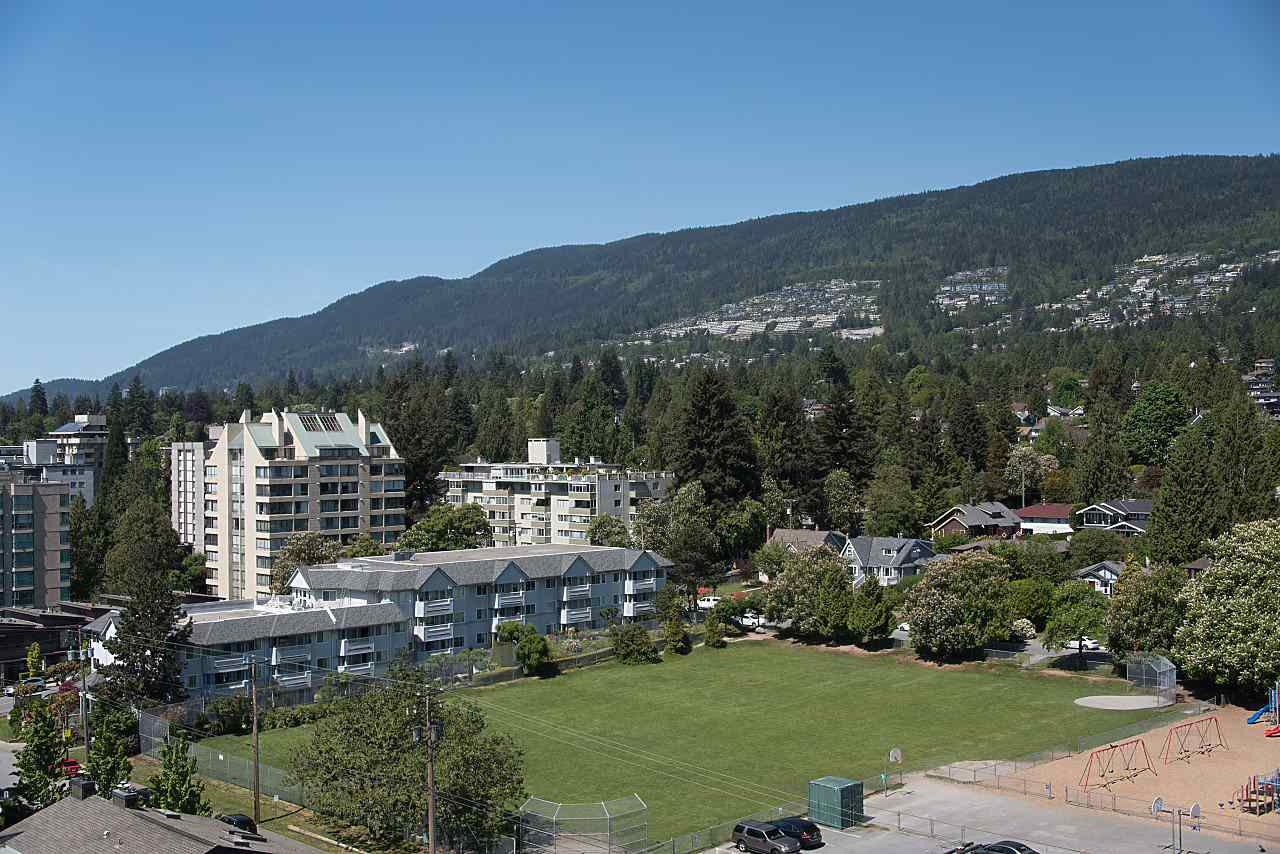 Condo Apartment at 1104 555 13TH STREET, Unit 1104, West Vancouver, British Columbia. Image 10