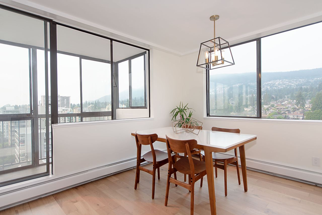 Condo Apartment at 1104 555 13TH STREET, Unit 1104, West Vancouver, British Columbia. Image 12