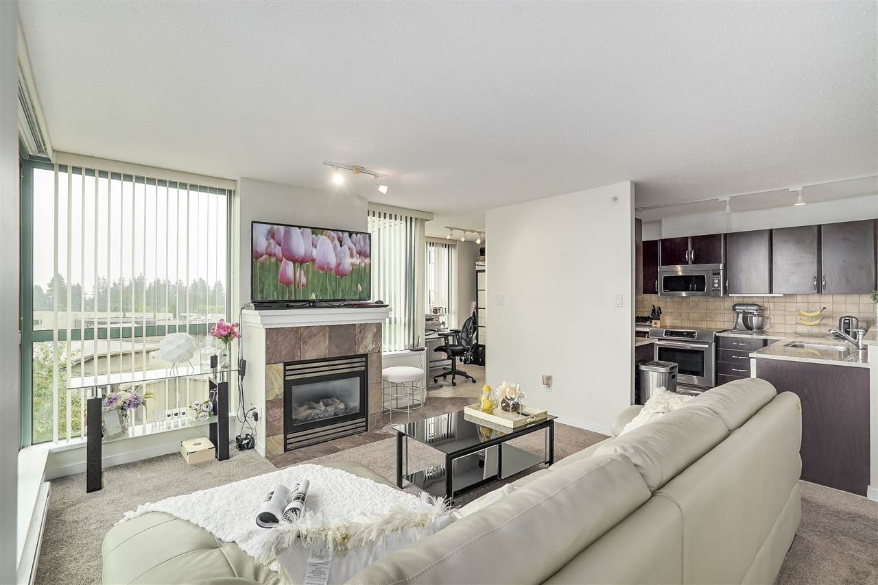 Condo Apartment at 601 6659 SOUTHOAKS CRESCENT, Unit 601, Burnaby South, British Columbia. Image 7