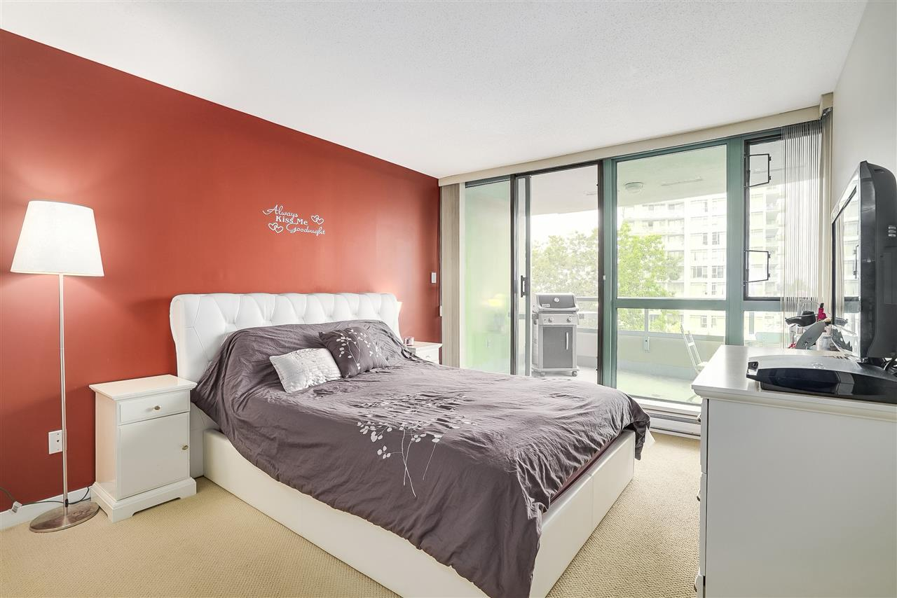 Condo Apartment at 601 6659 SOUTHOAKS CRESCENT, Unit 601, Burnaby South, British Columbia. Image 13