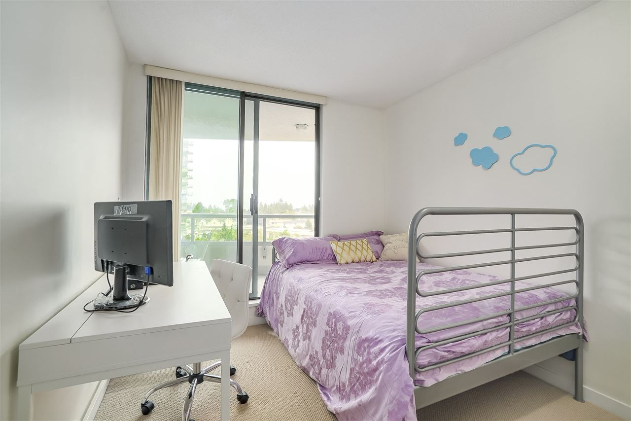 Condo Apartment at 601 6659 SOUTHOAKS CRESCENT, Unit 601, Burnaby South, British Columbia. Image 16