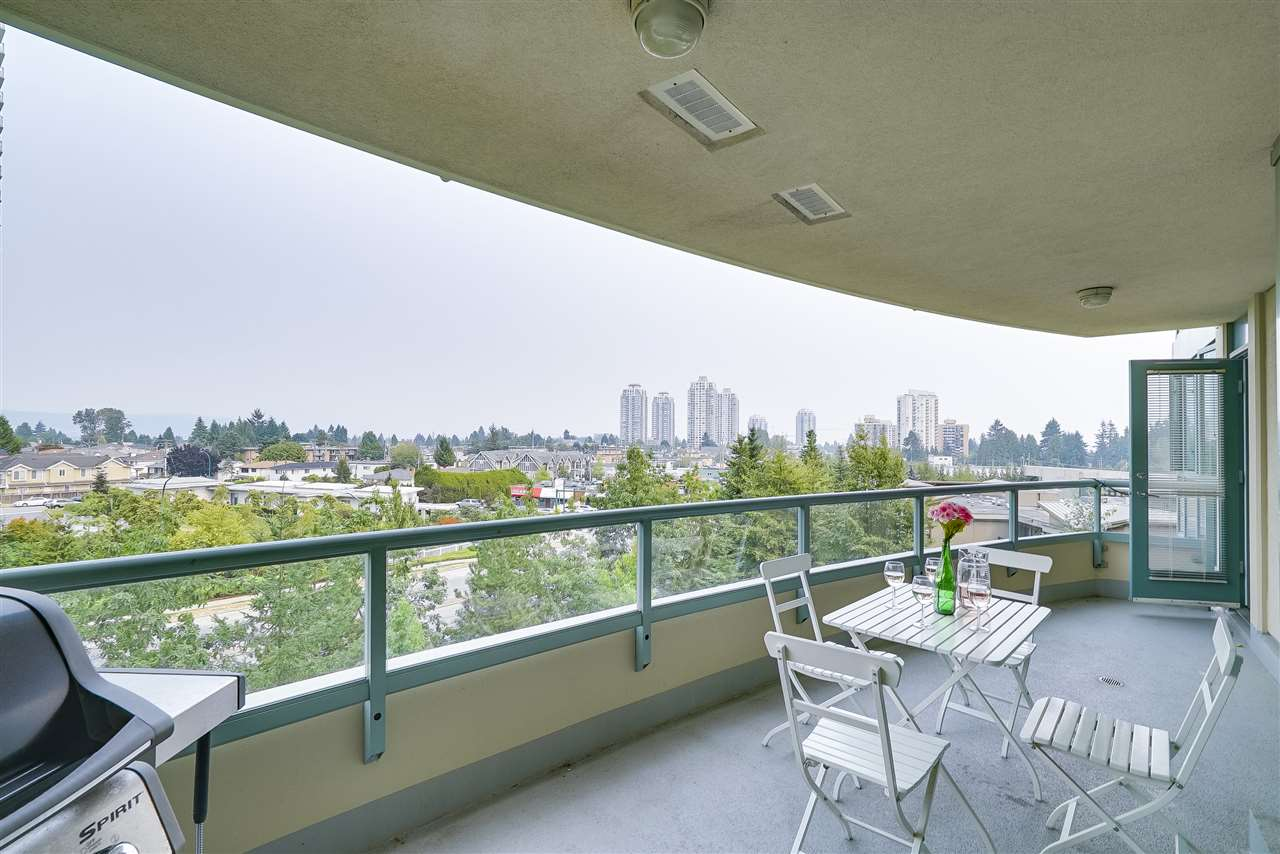 Condo Apartment at 601 6659 SOUTHOAKS CRESCENT, Unit 601, Burnaby South, British Columbia. Image 20