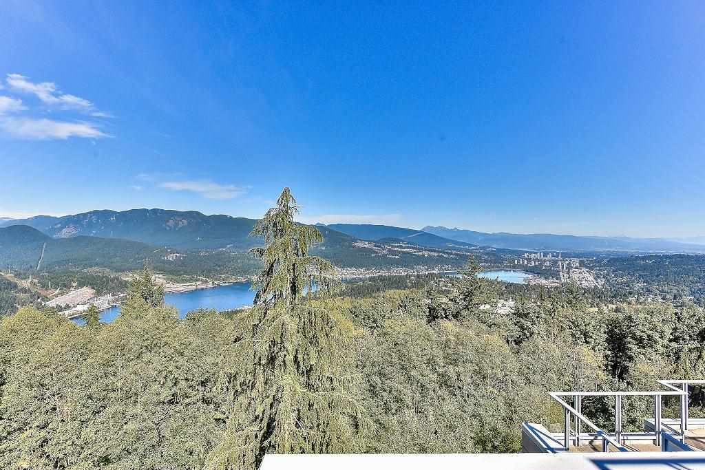 Condo Apartment at 907 9266 UNIVERSITY CRESCENT, Unit 907, Burnaby North, British Columbia. Image 3
